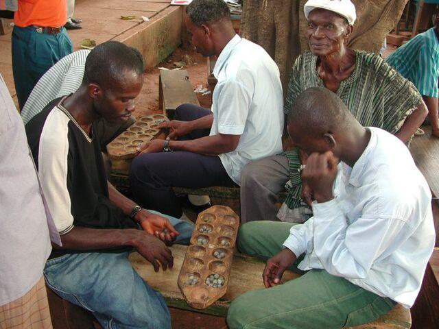 File:Playing oware in kumasi.jpg