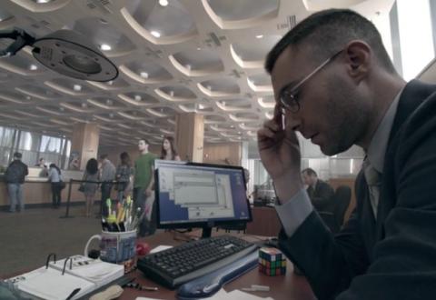 File:Maroon-5-adam-levine-wiz-khalifa-payphone-video-screenshot-480x330.png