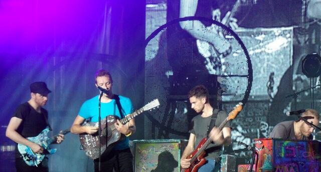 File:Coldplay Toronto 2011 Muchmusic.jpg