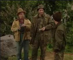 MWC episode 10x11 - Bearly Men - Al Bud and Eprhaim hunting