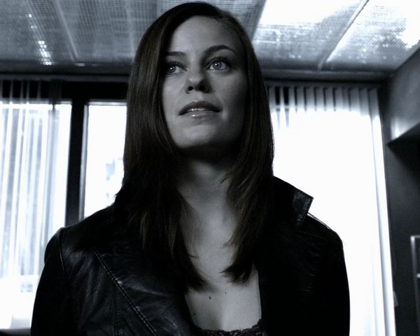 File:Lutessa Luthor Smallville Earth-2 002.png