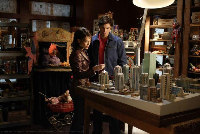 File:Smallville Episode Requiem 001.jpg