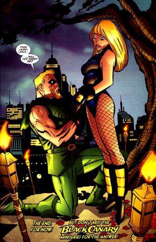 File:Green Arrow proposes 02.jpg