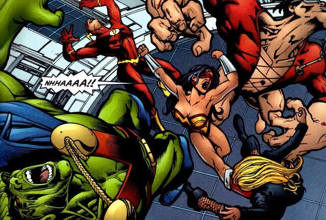 File:Wonder Woman 0167.jpg