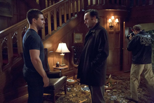 File:Arrow TV Series Episode Home Invasion.jpg