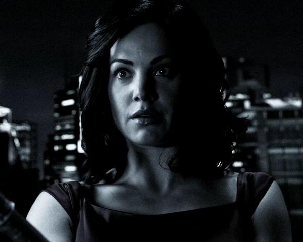 File:Lois Lane Smallville Earth-2 002.png