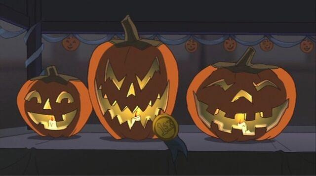 File:Jack o Lanterns 2 SSM.jpg