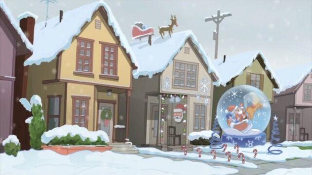 File:Christmas Decorations SSM.jpg