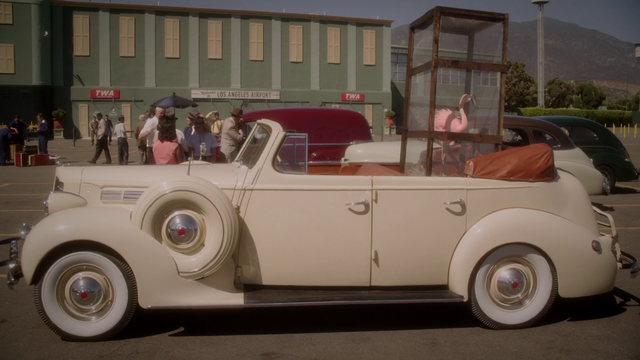 File:Howard Stark's Car (2x01).png