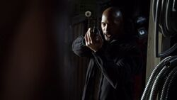Mack-threatens-Coulson-gun