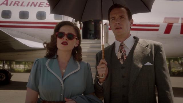 File:Peggy Carter & Edwin Jarvis (2x01).png