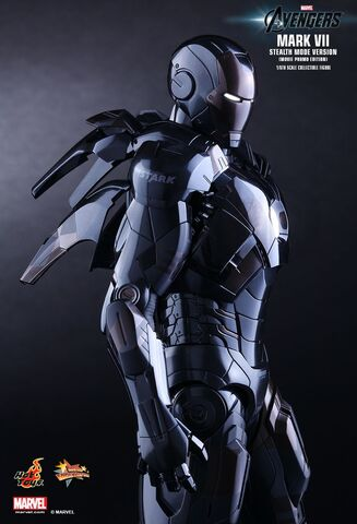 File:IRON MAN Mark VII Stealth Mode Hot Toys 01.jpg