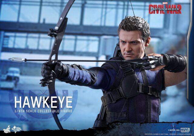 File:Hawkeye Civil War Hot Toys 14.jpg