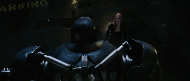 File:Pepper-Potts-attacked-Iron-Monger.jpg