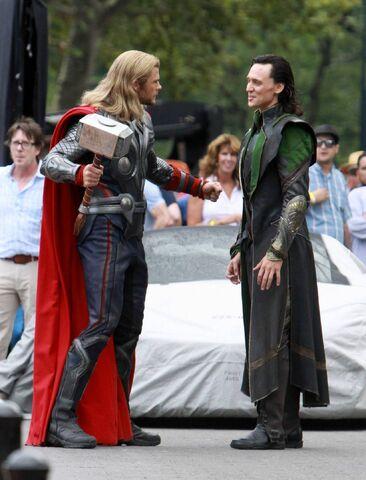 File:Thor and Loki Behind the Scenes.jpg