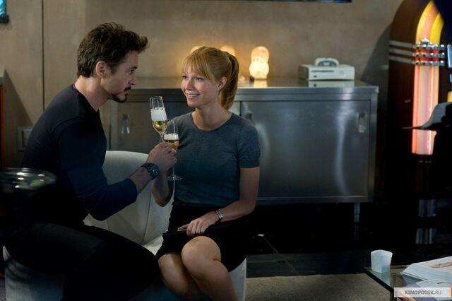 File:Pepper-Potts-Tony-Stark-Drinking.jpg