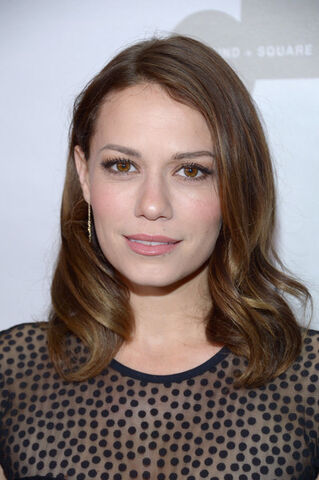 File:Bethany Joy Lenz.jpg
