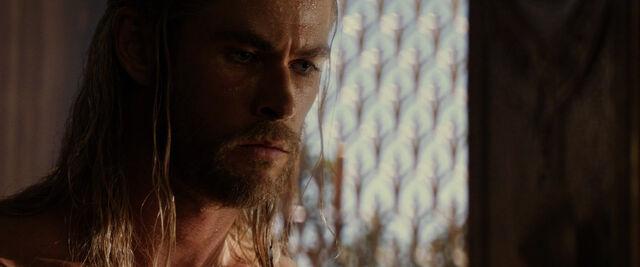 File:Thor-dark-world-movie-screencaps com-1202.jpg