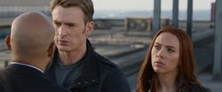 Steve-Rogers-Threatens-Sitwell-