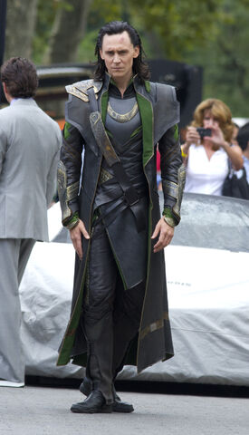 File:The Avengers Behind the Scenes photos 3.jpg