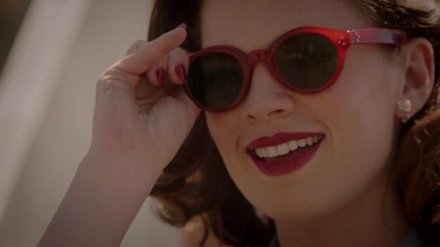 File:Agent Carter spots Jarvis - Agent Carter 2x01.png
