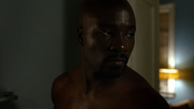 File:LukeCage-explains-Reva.jpg