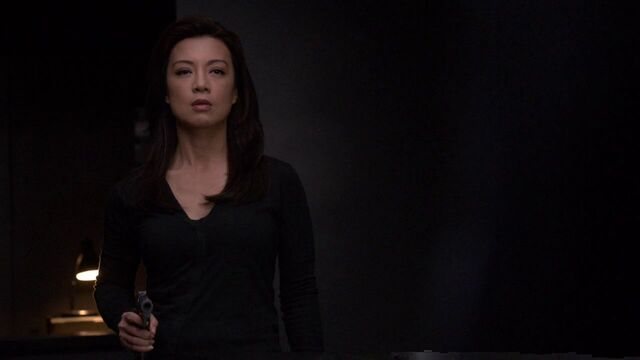File:Melinda-May-aims-gun-at-Gonzales.jpg