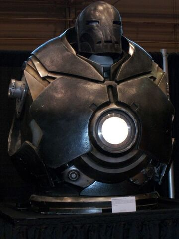 File:Iron-Monger-Helmet-and-Torso-11.jpg