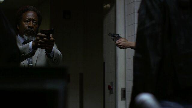 File:OscarClemons-Gun-StandOff.jpg