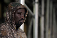 Mike Colter Luke Cage BTS 21