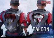 Falcon Civil War Hot Toys 21
