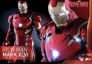 Iron Man Civil War Hot Toys 3