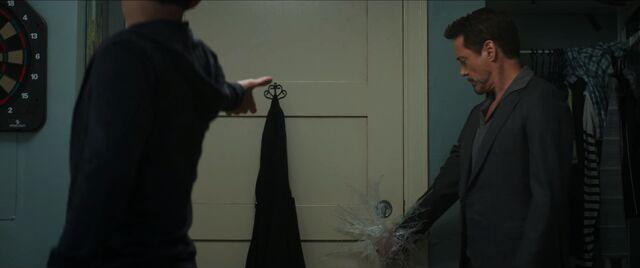 File:Peter webs Tony to door knob.jpg