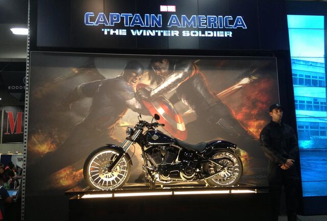 File:Captain-america-motorcycle-comic-con-winter-soldier.jpg