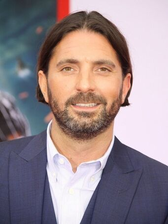 File:Drew Pearce.jpg