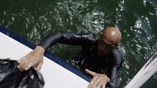 File:Kebo-swimming-S3E2.jpg