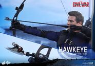Hawkeye Civil War Hot Toys 2