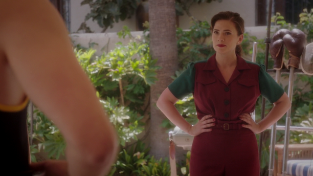 File:Peggy Carter - Hands on Hips (2x02).png