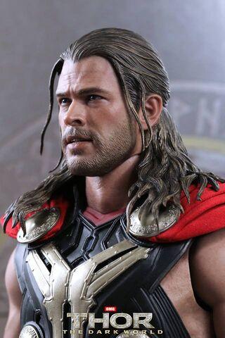 File:Thor Hot Toys 1.jpg