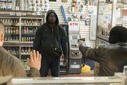 Luke vs robbers