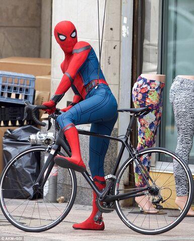 File:Spider-Man HC BTS 3.jpg