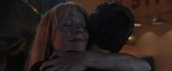 Pepper-Potts-Hugs-Tony-Stark