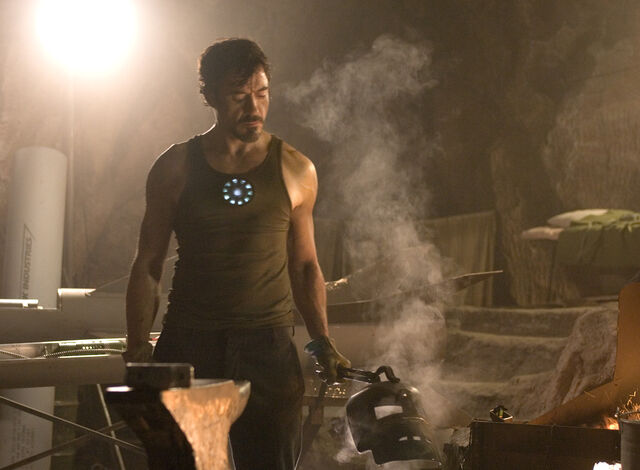 File:Anthony Stark (Earth-199999) from Iron Man (film) 006.jpg
