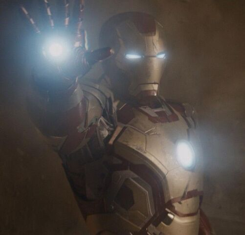 File:Anthony Stark (Earth-199999) with Iron Man Armor MK XLII (Earth-199999) from Iron Man 3 (film) 002.jpg