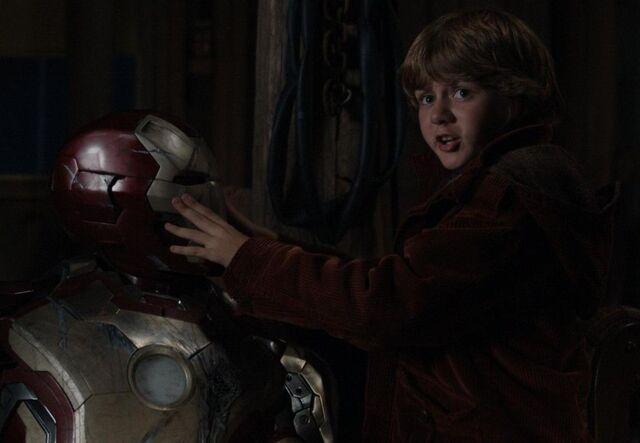 File:Harley Keener (Earth-199999) and Iron Man Armor MK XLII (Earth-199999) from Iron Man 3 (film) 001.jpg
