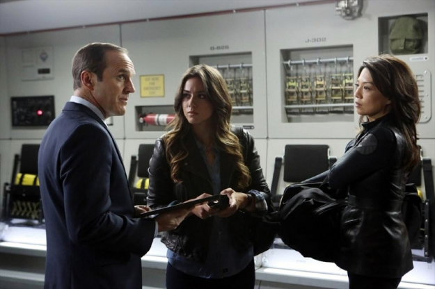 File:Agents of SHIELD The Well 28.jpg