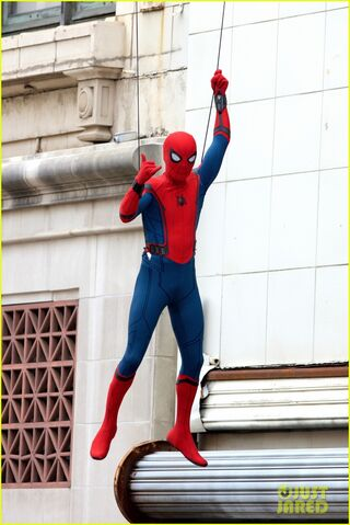 File:Spider-man-swings-into-action-on-set-05.jpg