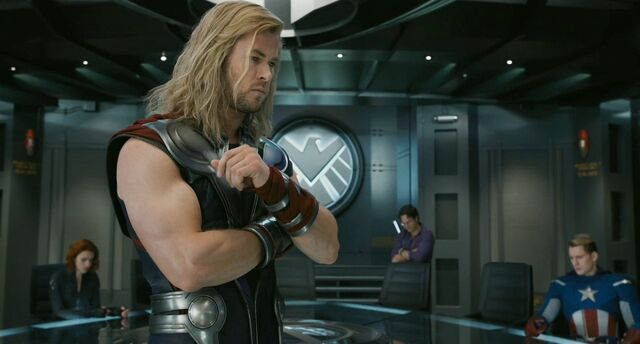 File:Chris-hemsworth-as-thor-in-the-avengers-2012.3.jpg