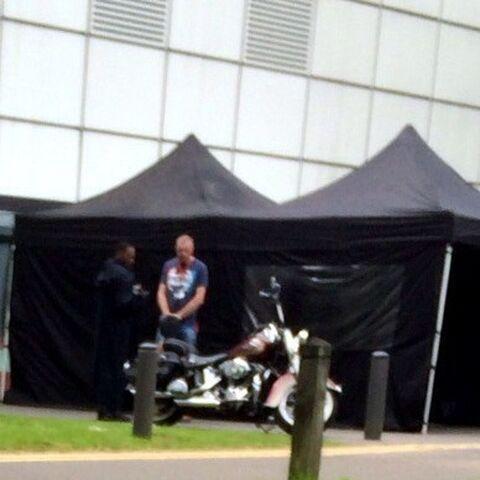 Anthony Mackie on set in Norwich, UK