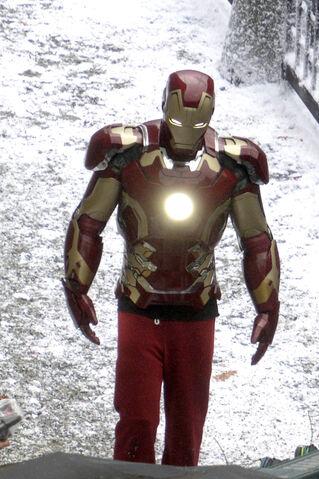File:407676-iron-man-avengers-2.jpg